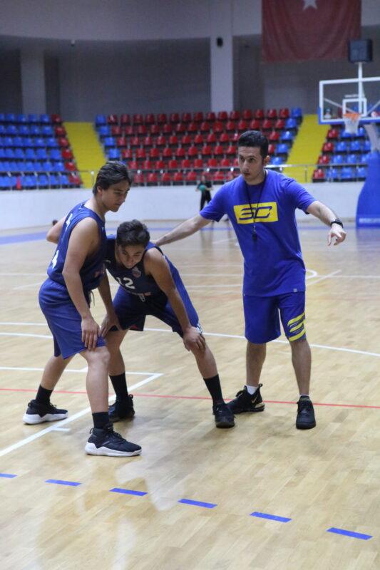 راهکارهایی برای بسکتبال ایران / رحیمی: فدراسیون و هیئتها باید به طور مداوم در چالش باشند