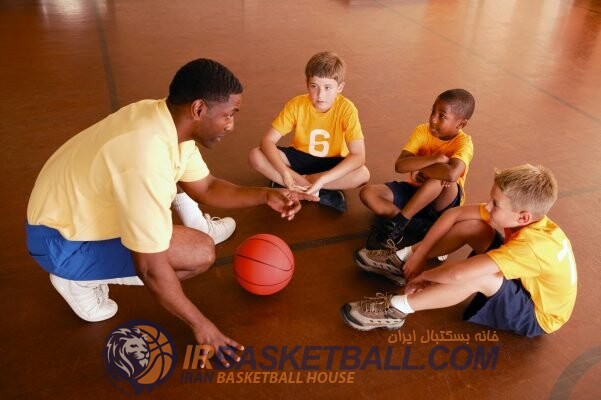 Basketball-coach-and-players-601x400 بلاگ